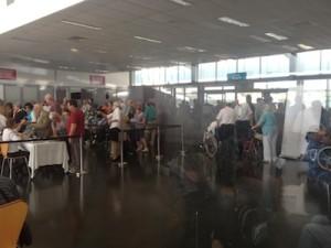 Queen Elizabeth check-in at Brisbane