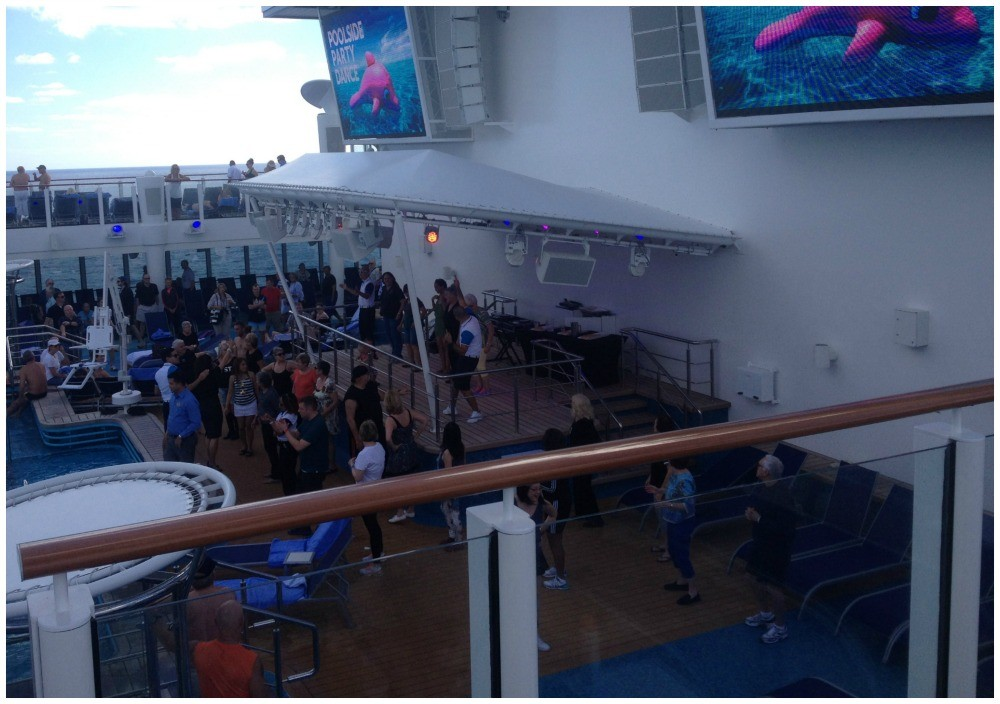 Pool area with stage on NCL Escape