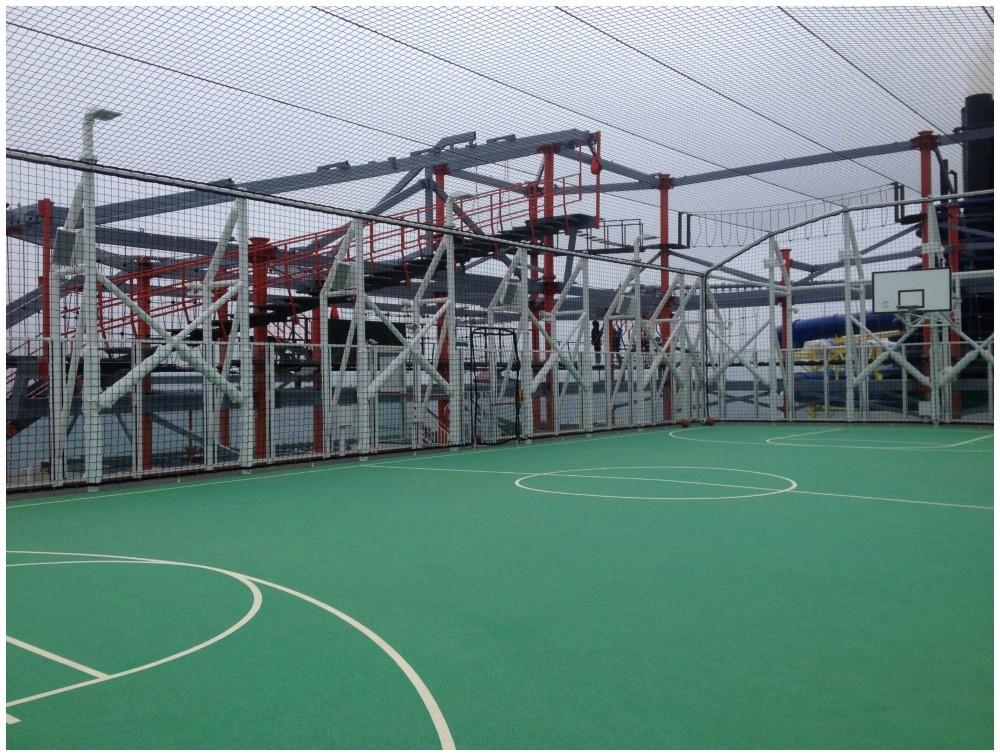 Sports court on Norwegian Escape